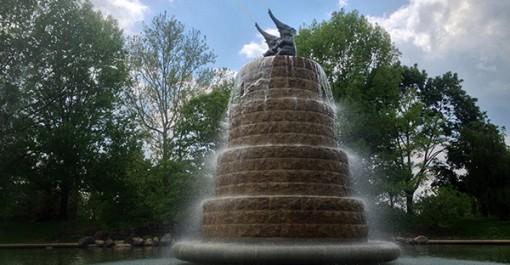 Fountain close2