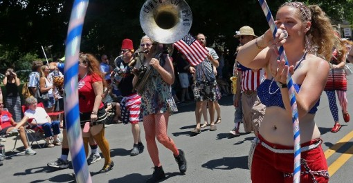 fourth-parades-doo-dah-blv-14